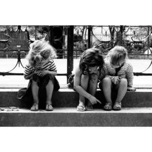 Three little girls, Paris