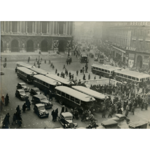A Strike at the Place de l'Opéra – Silver vintage stamped print